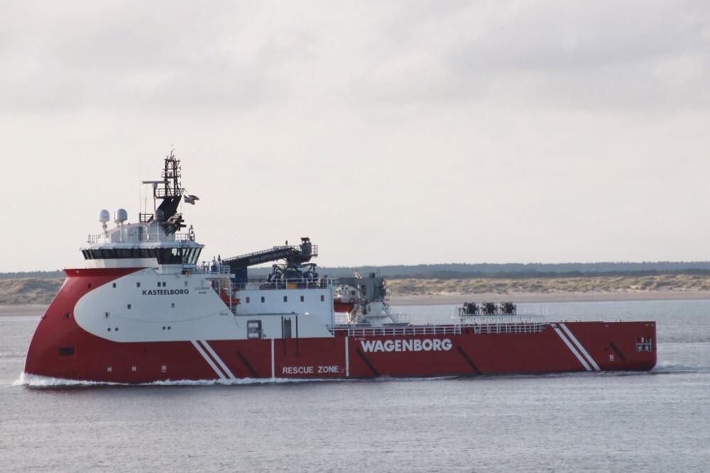 De Kasteelborg is een omgebouwde bevoorrader die Den Helder als uitvalsbasis heeft