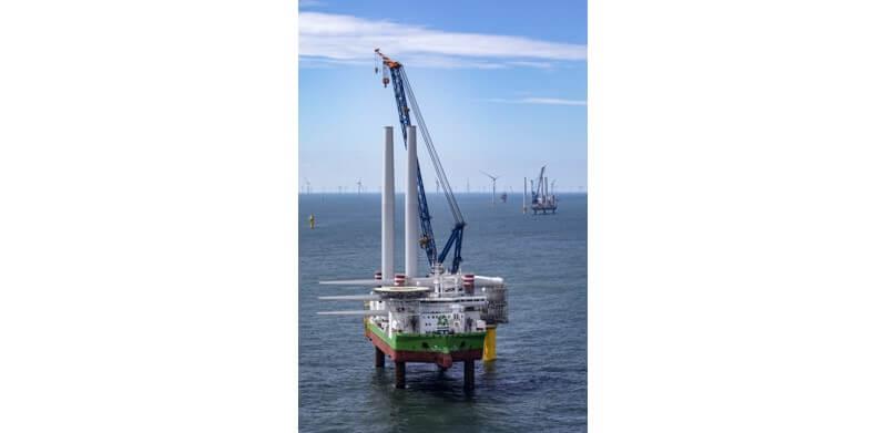 De hefschepen Sea Installer en Sea Challenger hebben in Borssele I en II installatiewerk uitgevoerd. (Foto: DEME)