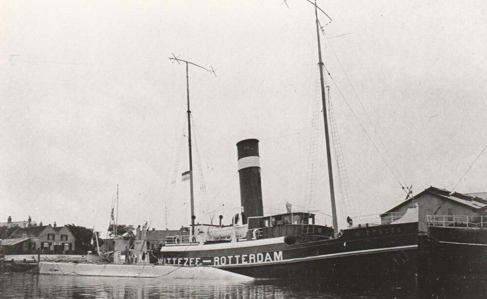 De sleepboot Witte Zee met KI klaar voor vertrek naar Indië